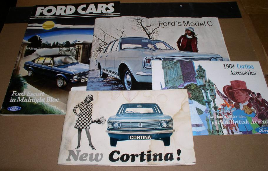 Cortina & Escort set